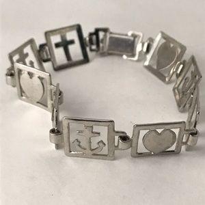 Fun silver link bracelet